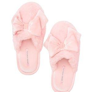 Victoria's Secret Velvet Bow Slippers Pink L NIP